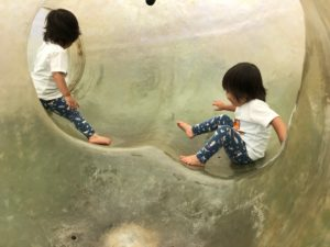 荻窪タウンセブン「あおぞらぱーく」 巨大トンネル