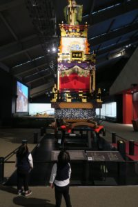 東京都江戸東京博物館は2歳でもたっぷり遊べる! | 常設展の様子をご紹介