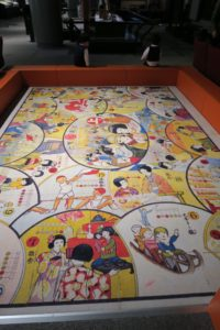 三越双六 | 東京都江戸東京博物館は2歳でもたっぷり遊べる! | 常設展の様子をご紹介