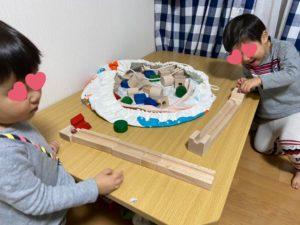 キュボロの入門セット「クゴリーノ」を買って3歳双子が遊んでいます