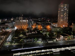 山梨県 甲府駅前の「城のホテル」 景色