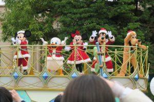 ミッキー&フレンズのグリーティングパレード クリスクス
