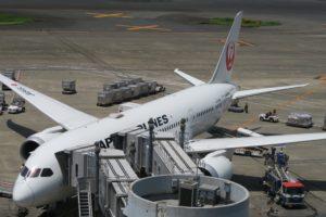 羽田空港第一ターミナルの展望デッキへ