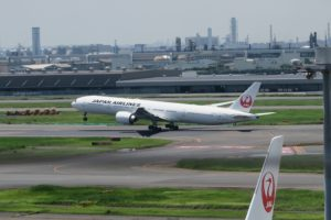 JAL | 羽田空港第一ターミナルの展望デッキへ